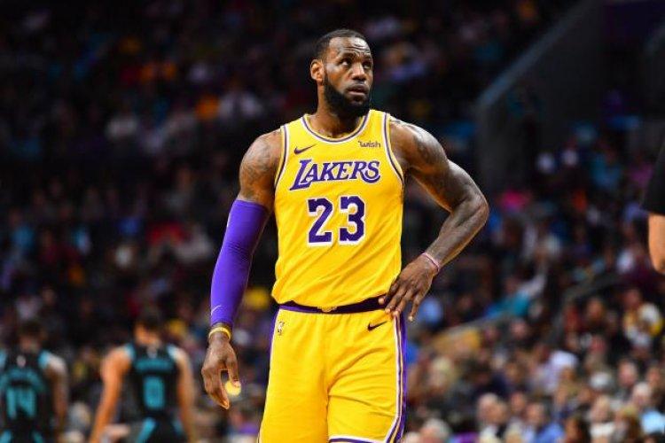 NBA : LeBron James inquiète les Lakers !