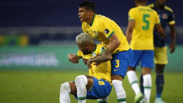 Ciblé de plusieurs critiques, Thiago Silva vient à la rescousse de Neymar
